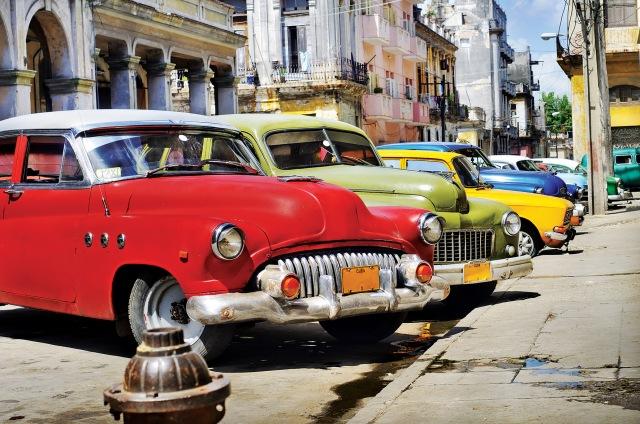 Cuba cars.jpg